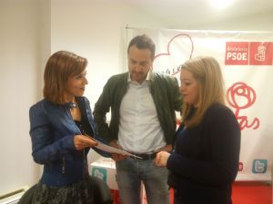 Beatriz Rubiño, Javier García León y Silvia Cabrera hablando sobre los códigos de empleo